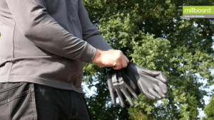 Person guide handling cutting
