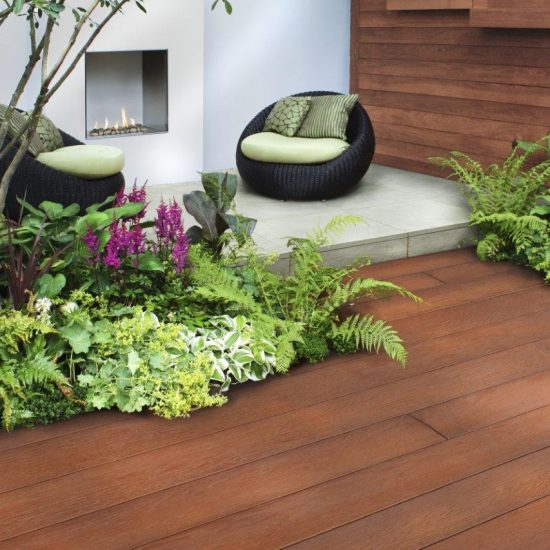 Millboard Enhanced Grain with plants